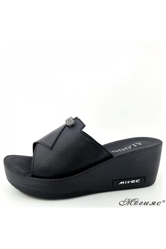 Дамски чехли на платформа еко кожа черни 93-1