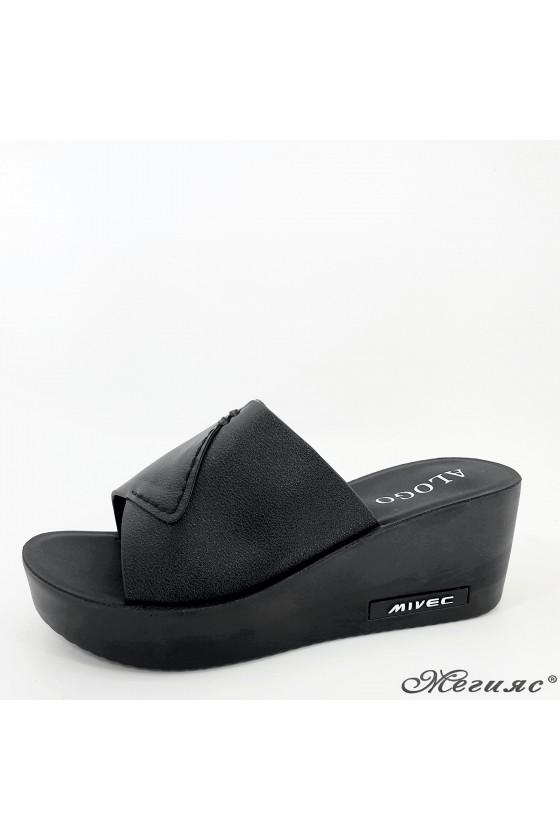 Дамски чехли на платформа еко кожа черни 96-1