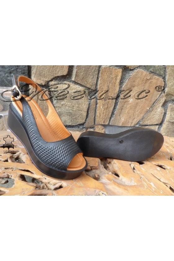 Women sandals 91-03 black leather