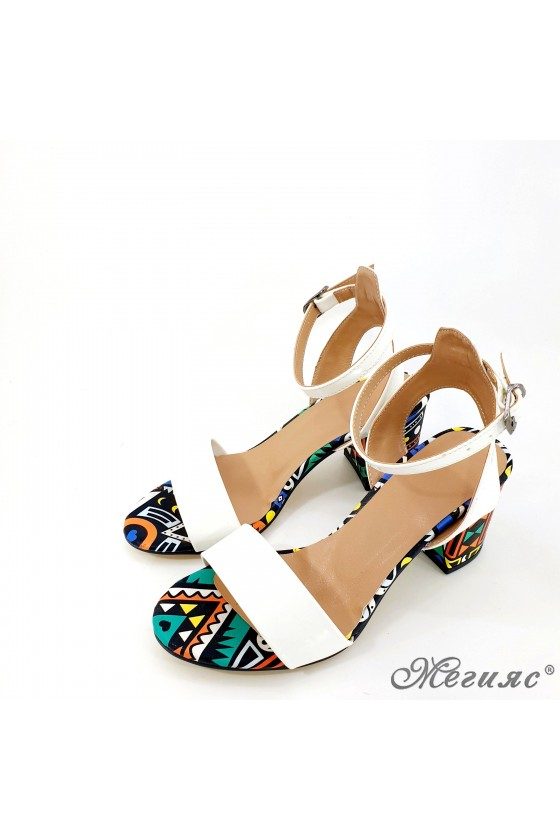 Lady sandals white with high heels 500