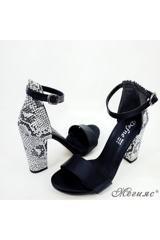 Дамски сандали черни със змия 110