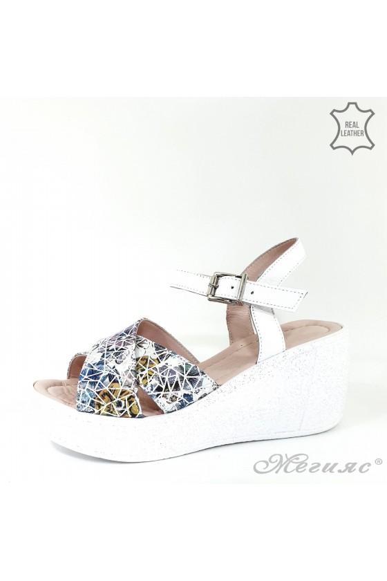 Дамски сандали от естествена кожа бели 192-22