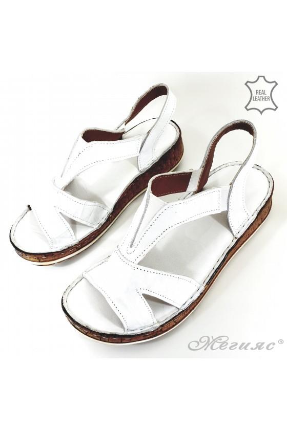 Дамски сандали от естествена кожа бели 09