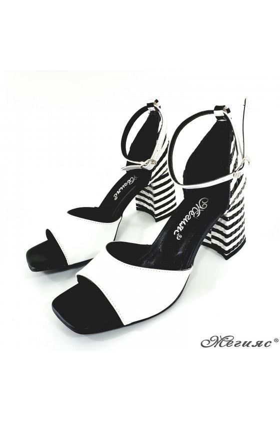 Дамски сандали бяло с черно 293