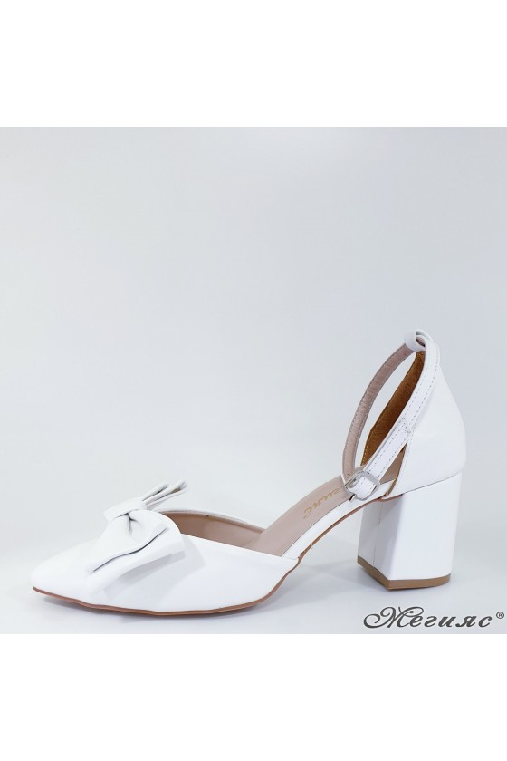 Lady sandals white with high heels 549