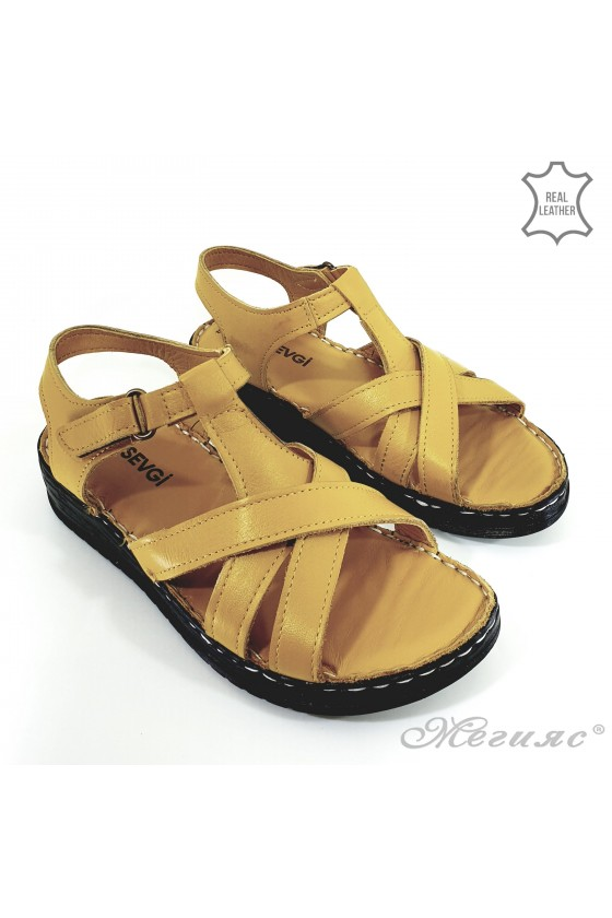 Lady sandals yellow leather 002