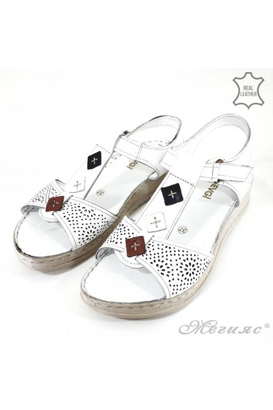 Дамски сандали от естествена кожа бели 004