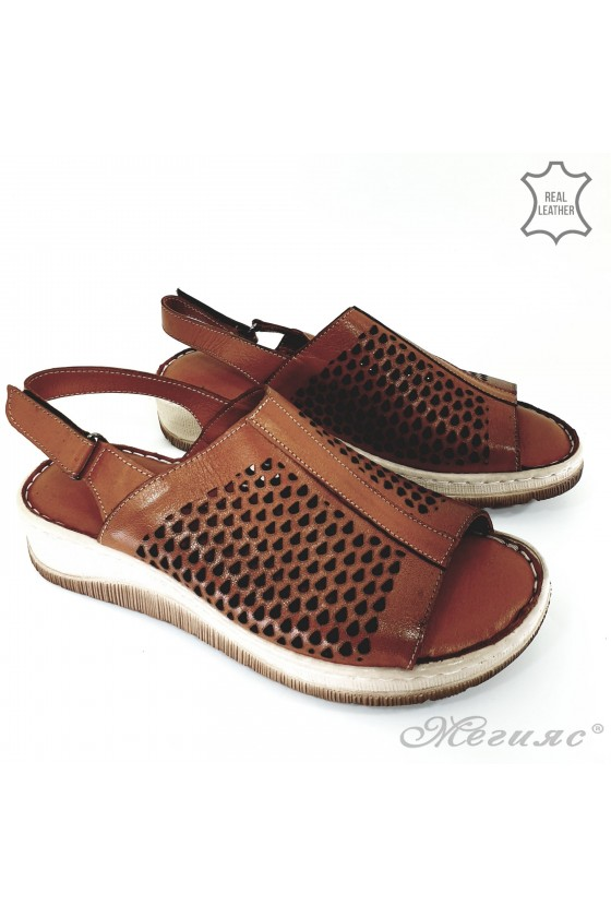 Lady sandals brown leather 237