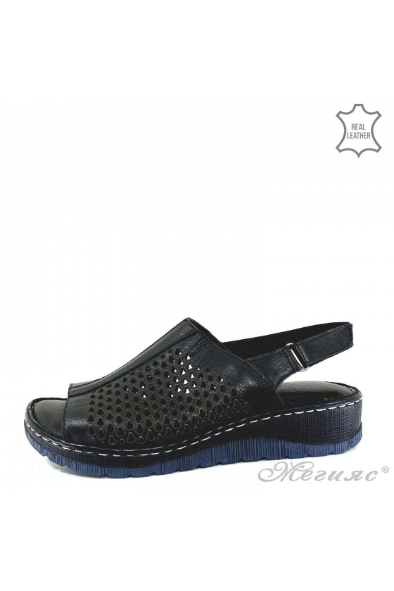 Lady sandals black leather 237