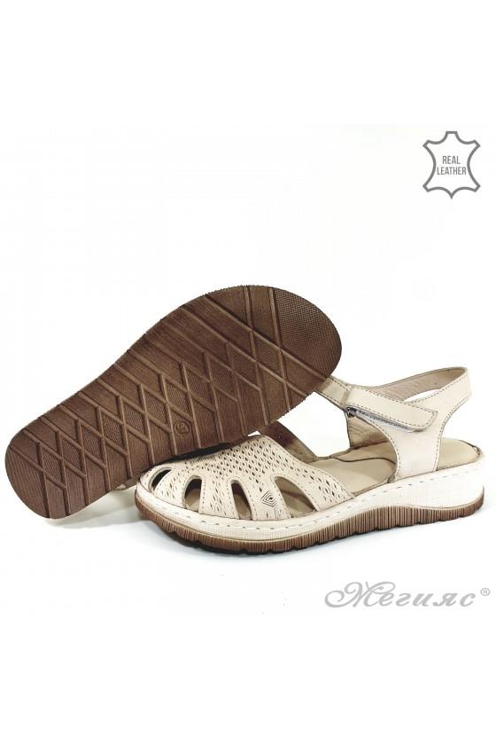 Дамски сандали от естествена кожа бежови 245
