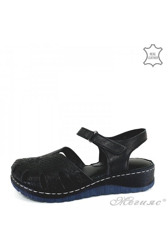 Lady sandals black leather 245