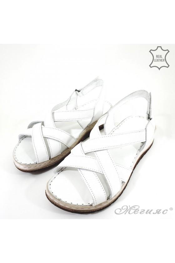 Дамски сандали от естествена кожа бели 232