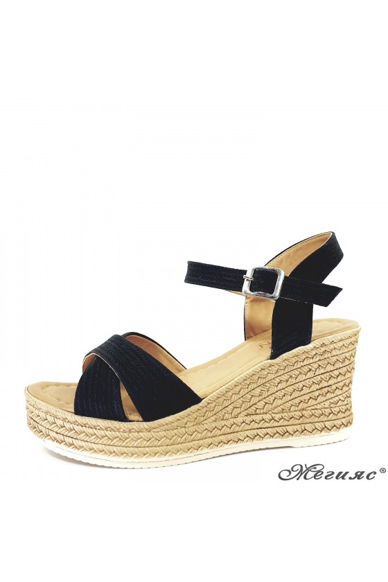 Lady sandals black 705
