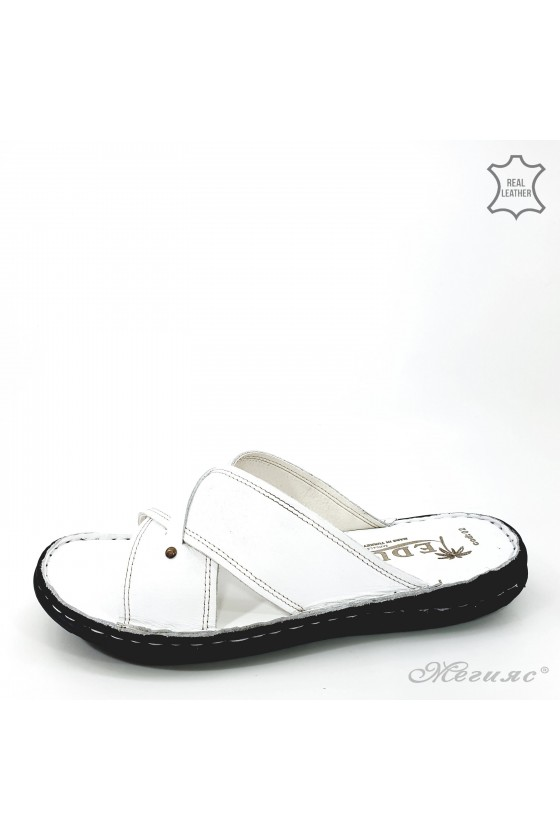 Мъжки чехли от естествена кожа бели 02