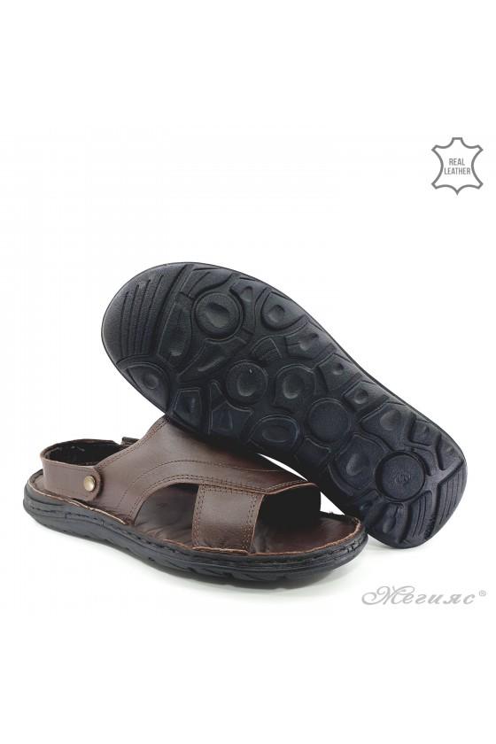 Men sandals brown 08