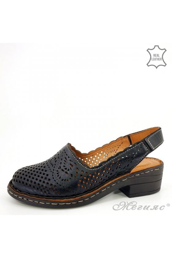 Lady sandals black leather...