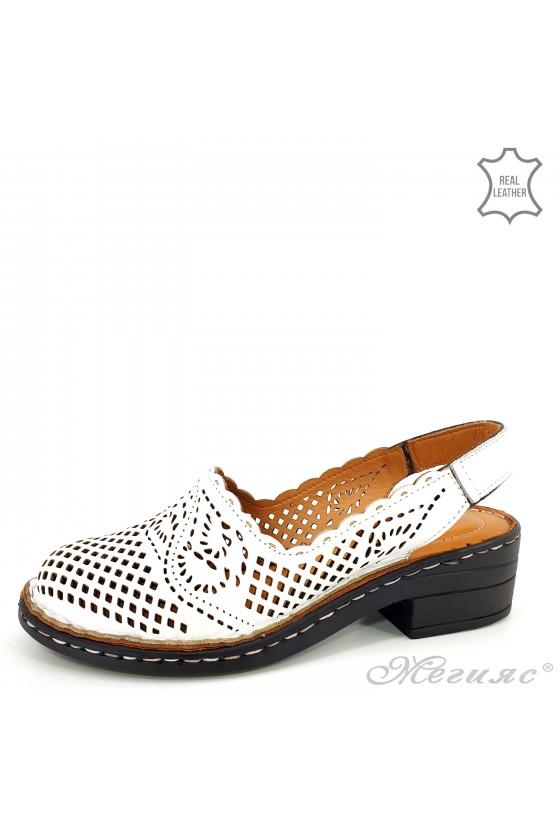 Дамски сандали от естествена кожа бели 4019-05