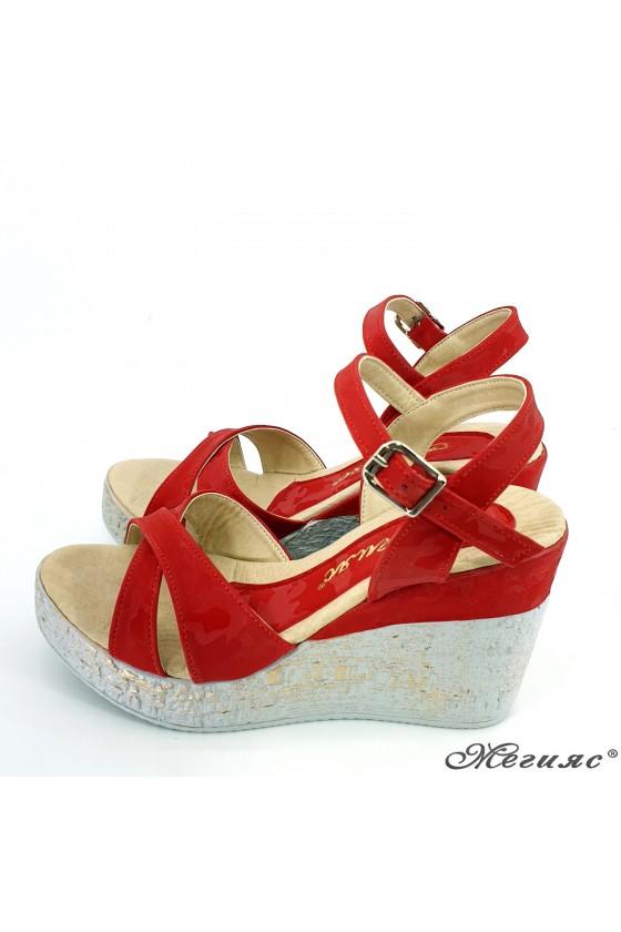 Дамски сандали червен камуфлаж 2005