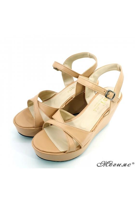 Дамски сандали бежови 601