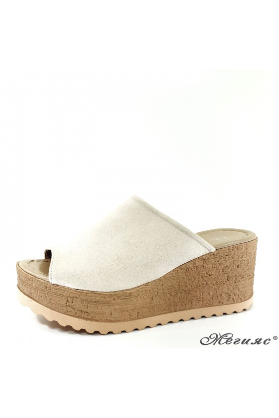 Дамски чехли от еко набук бежови 298