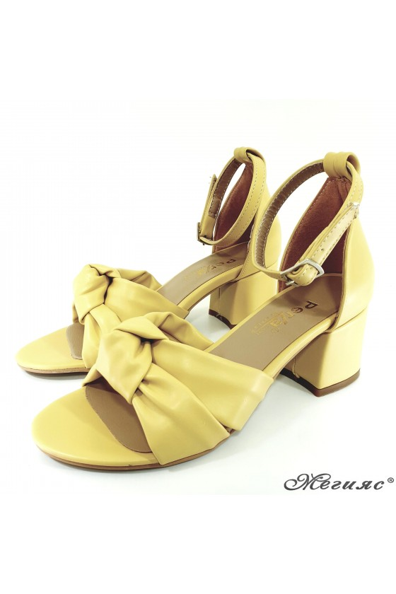 Lady sandals yellow 3005