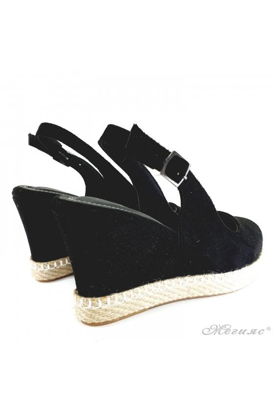 Lady sandals black 135