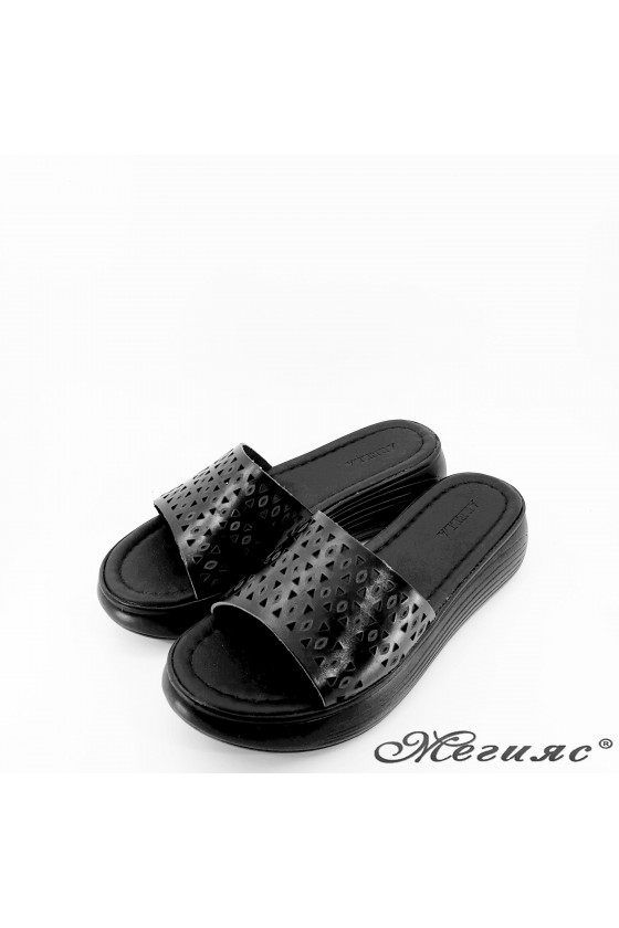 Дамски чехли от естествена кожа черни 500