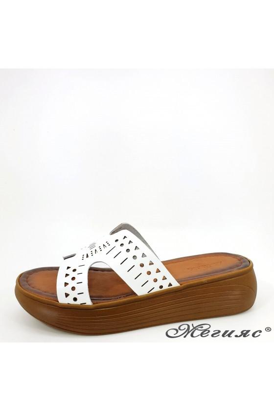 Дамски чехли от естествена кожа бели 533