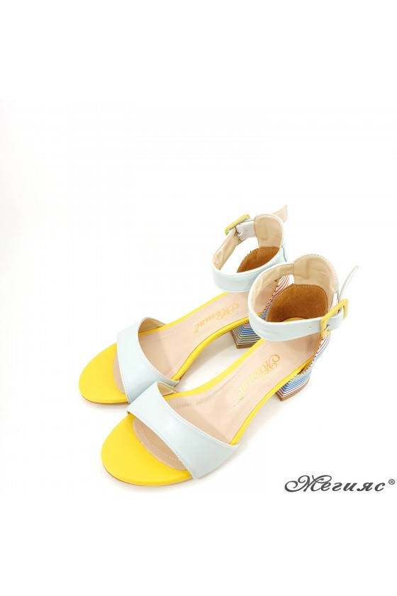 Дамски сандали мента 808