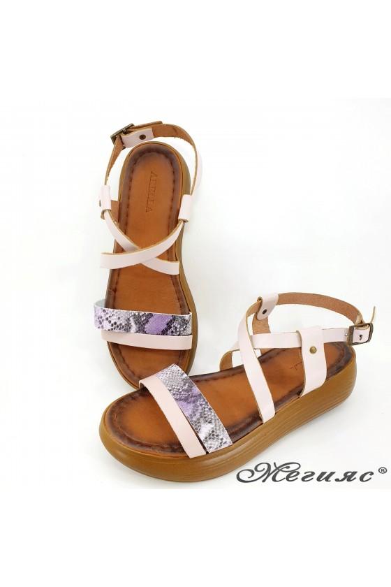 Дамски сандали от естествена кожа пудра със змия 514