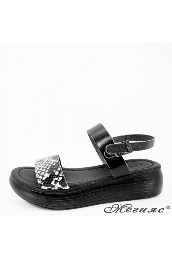 Дамски чехли от естествена кожа черни със змия 536