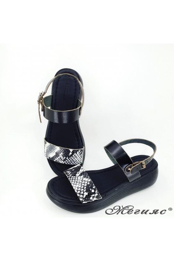Дамски сандали от естествена кожа черни със змия 536