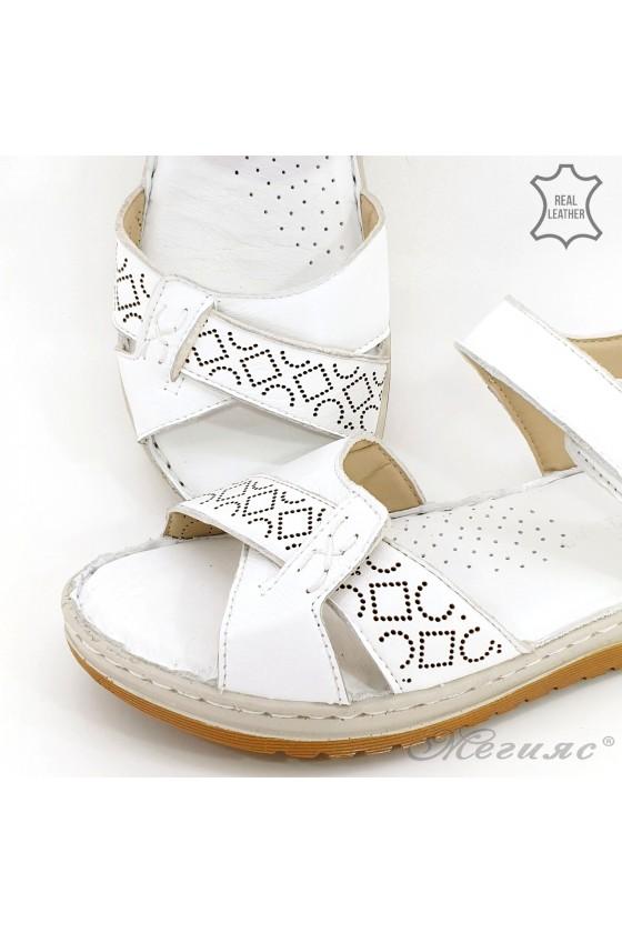 Дамски сандали от естествена кожа бели 178
