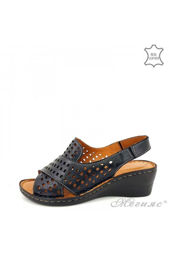 Дамски сандали на дупки от естествена кожа черни 2014-01