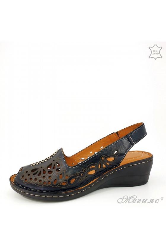 Дамски сандали на дупки от естествена кожа черни 2031-01