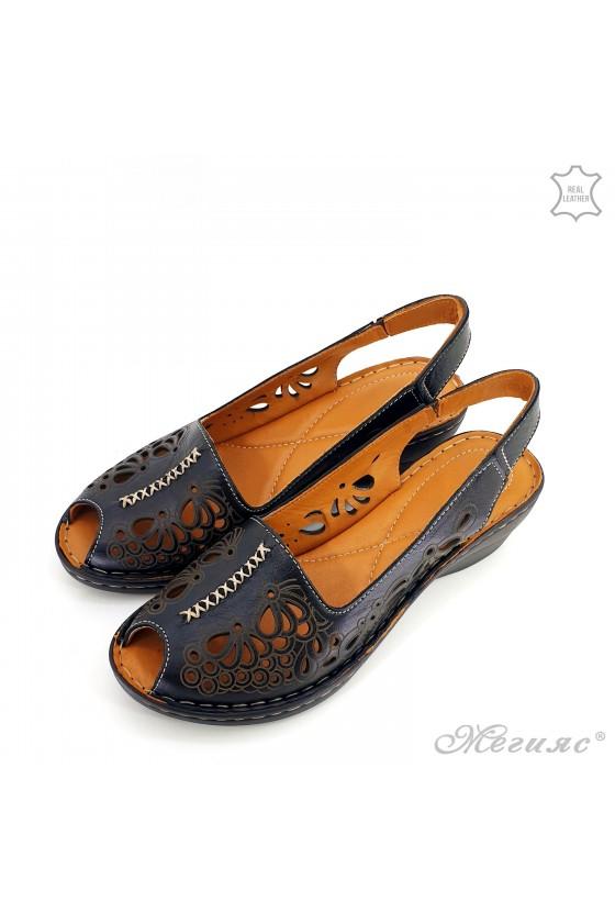 Lady sandals black leather 2031-01