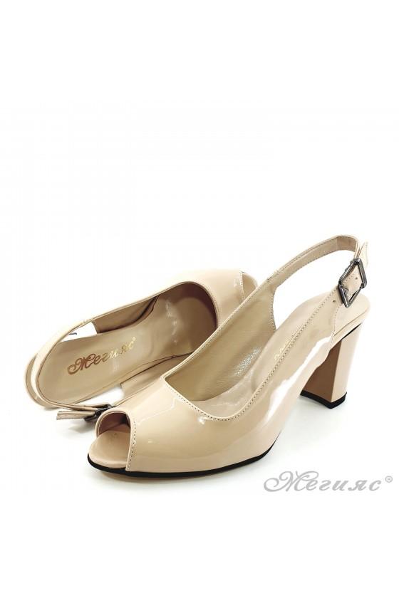 Дамски сандали от еко лак бежови 88