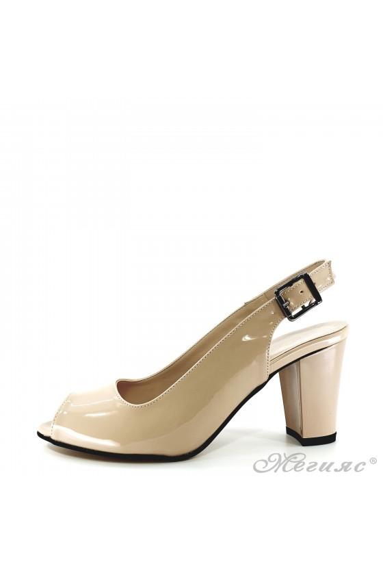 Дамски сандали бежов лак 88