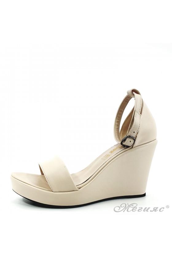Дамски сандали бежови 0216