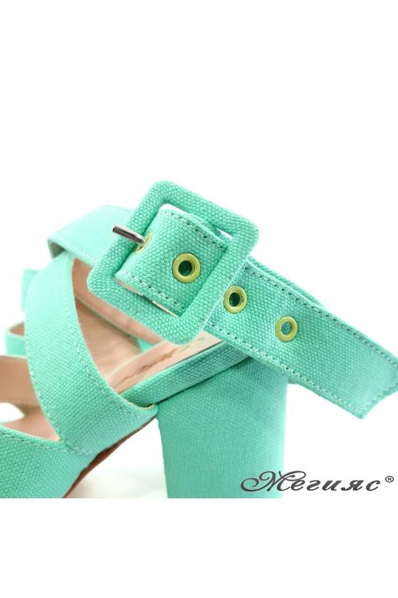 Дамски сандали мента 470