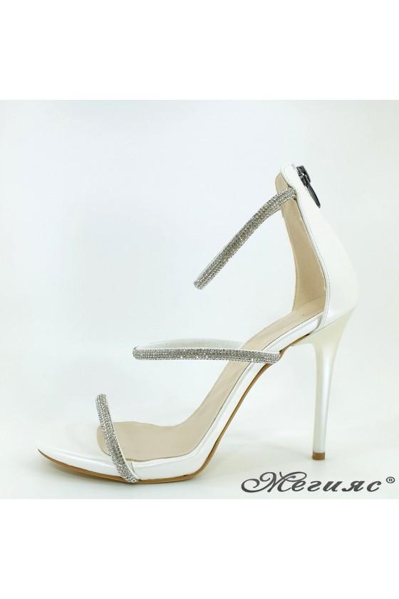 Дамски сандали бял седеф 602