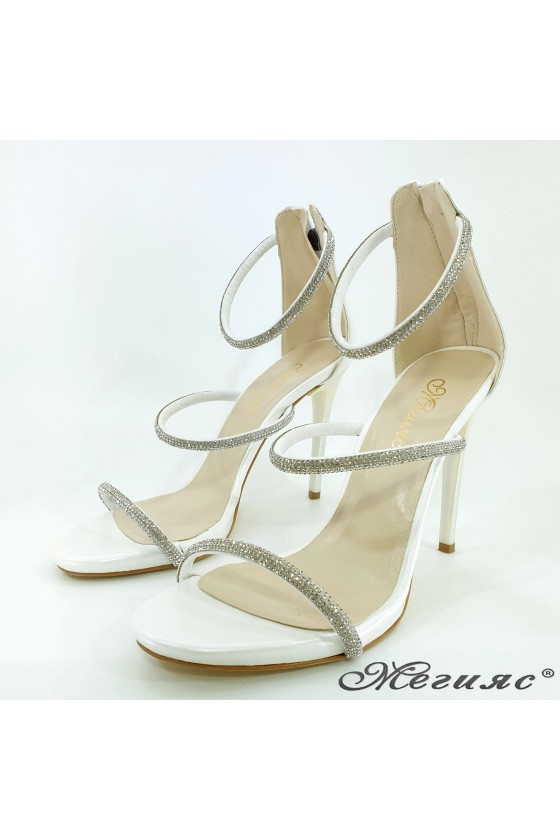Lady sandals white with high heels 602