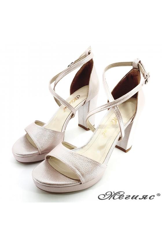 Дамски сандали пудра промазано 172