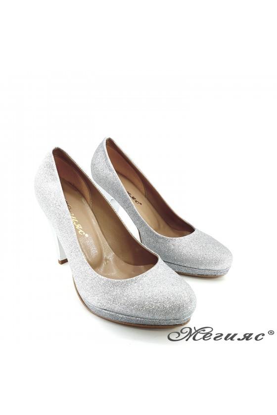 Дамски елегантни обувки XXL сребърен брокат  520