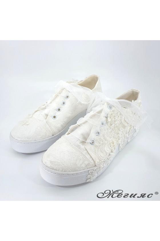 Дамски обувки с дантела бели 174