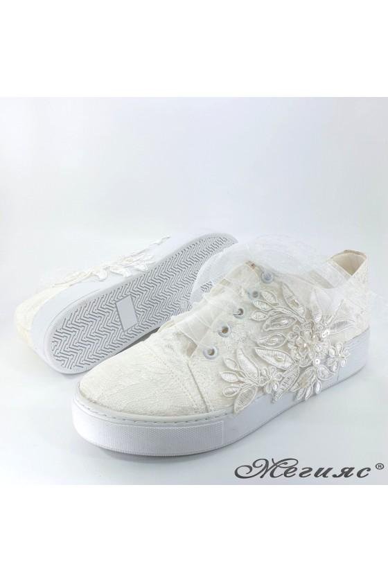 Дамски обувки с дантела бели 184