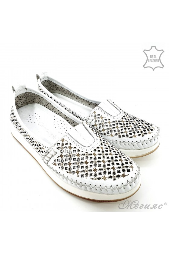 Lady shoes white leather 18