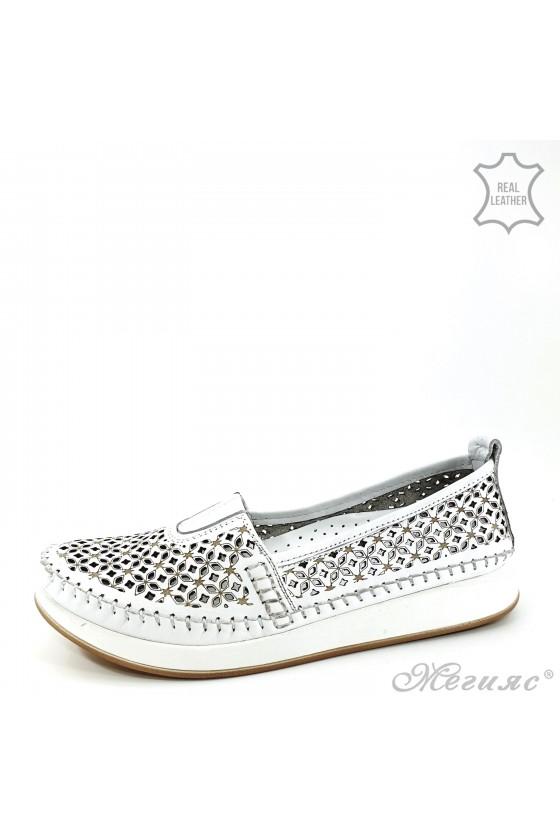 Дамски ортопедични обувки CAN от естествена кожа бели 18