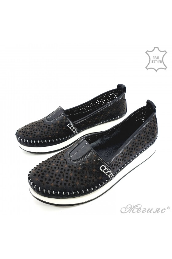 Lady shoes black leather 18