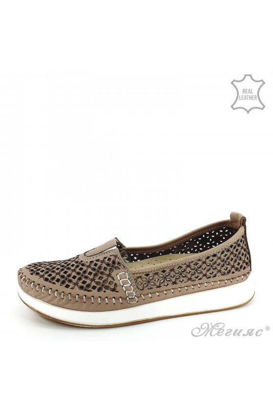 Lady shoes beige leather 18